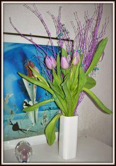 Tulpen in Flieder - eine sanfte Verbindung.