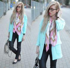 Minty, blue blazer, glasses and light pink scarf. Anetaaneta's outfit.  Miętowy żakiet, okulary i różowa apaszka.