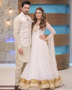 Ayeza Khan and danish taimoor Shadi Dresses, Pakistani Bridal Dresses, Pakistani Dress Design, Indian Dresses, Indian Outfits, Frock Fashion, Fashion Dresses, Indian Designer Outfits, Designer Dresses