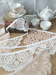 Vintage Crochet Doily Bunting Wedding Decoration Garland White + Peach 4m