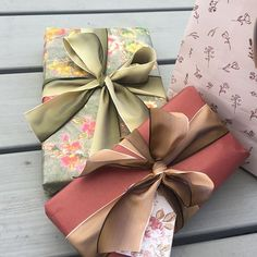 """TheWrapologist on Instagram: """"These random gifts take on a cohesive look if you keep just one element consistent across the wrap. In this case the colour dusky rose."""" Random Gifts, Brown Paper, Artisan, Wraps, Gift Wrapping, Colour, Rose, How To Make, Wedding"""