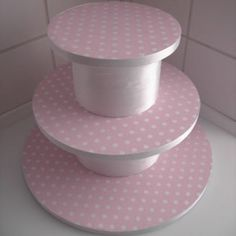 How to make a cake stand for cupcakes or mini cakes