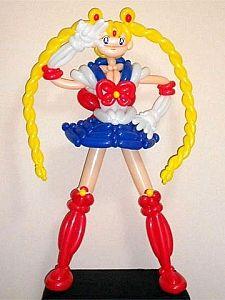 Balloon sculpture of Sailor Moon Más Sailor Moon Party, Balloon Face, Moon Balloon, Anime Japan, Balloon Animals, Balloon Decorations, Girl Dolls, Sculptures, Birthday Parties
