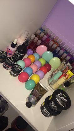 Mm lush, the body shop, bath body works eos Beauty Care, Beauty Skin, Beauty Makeup, Makeup Rooms, Face Skin Care, Aesthetic Makeup, Tips Belleza, Lip Care, Cute Makeup