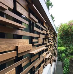 Garden design garden terracing, retaining walls, sub-tropical planting Wood Fence Design, Modern Fence Design, Privacy Fence Designs, Gate Design, Facade Design, Exterior Design, Modern Wood Fence, Jardiniere Design, Privacy Walls