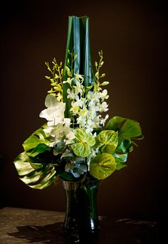 Fleurus - For artistic floral designs on the Gold Coast. Green Anthurium with white orchids