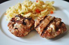 Ever since I have tried grilled turkey patties at my cousin's house, they have became a staple in our house. Healthy Habits, Healthy Snacks, Healthy Eating, Healthy Recipes, Turkey Patties, Turkey Burgers, Patti Labelle Recipes, Turkey Recipes, Dinner Recipes