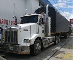🔥Se Vende🔥 2006 Kenworth Tractocamiones Precio: $230,000,000  📍Ubicación: Villavicencio ♦Kilometraje: 100,000 kms ♦Transmisión:  ♦Combustible: Diesel  Se vende Bonita Kenworth  Posibilidad de financiación disponible para vehiculos de hasta 10 años de antiguedad con Publicarros.com al 📱 3147797687  #carga #cargapesada #kenworthcolombia #moviendoacolombia #pesadosdecolombia #tractomulascolombianas #trucks_colombia #viajandoporcolombia #camioncolombia #camioneroscolombia #camionescolombia… Trucks, Vehicles, Kenworth Trucks, Colombia, Pretty, Budget, Display, Backgrounds, Truck