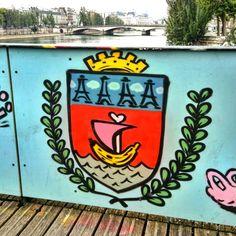 Artist jace ticot - street art paris 1 - pont des arts juin 2015