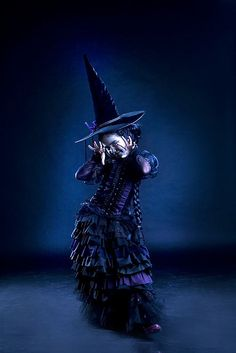 Wicked little witch Broadway Wicked, That Old Black Magic, The Witches Of Oz, Halloween Pin Up, Fantasy Wizard, The Worst Witch, Season Of The Witch, Witch Art, Wicked Witch