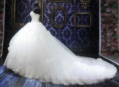 2013-Royal-Puffy-White-Sweetheart-Bandage-Long-Court-Train-Lace-Bridal-Wedding-Dresses-with-Crystal-WD
