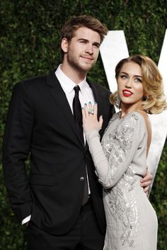 Google Image Result for http://img.ibtimes.com/www/data/images/full/2012/04/03/256938-liam-hemsworth-miley-cyrus-of-the-last-song.jpg