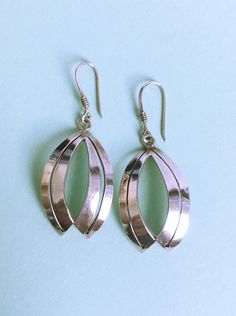 SHADES OF GREEN CHUNKY SILVERY  NECKLACE /& CLIP ON EARRING SET or hooks