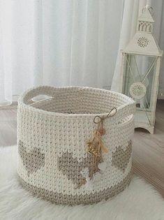Crochet Heart Basket Pattern Yarns 37 Ideas For 2019 Crochet Rug Patterns, Crochet Basket Pattern, Knit Basket, Crochet Handles, Crochet Baskets, Toy Basket, Crochet Ideas, Crochet Shoes, Crochet Slippers