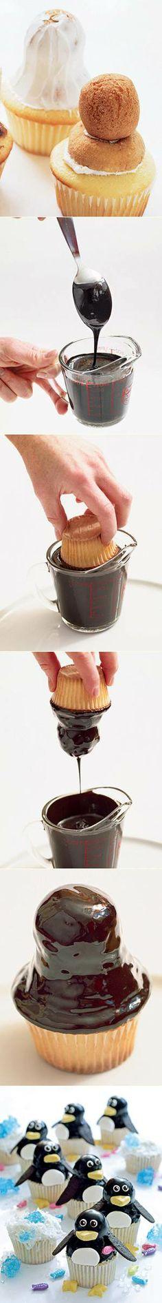 Penguin Cupcake #cupcakes #cupcakeideas #cupcakerecipes #food #yummy #sweet #delicious #cupcake