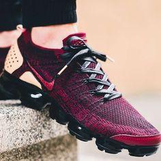 Acessórios De Futebol, Moda Nike, Moda Sneakers, Jeans E Tênis, Tênis Nike, Reebok, Sapatas Para O Dia A Dia, Sapatos De Treino, Tênis Com Salto