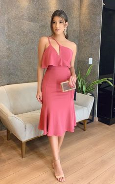 Dress Outfits, Fashion Dresses, Dress Up, Slit Dress, Robes D'occasion, African Print Fashion, Petite Dresses, Simple Outfits, Look Fashion