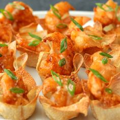 Bang Bang Shrimp Cups : McCormick is the secret to the sweet and spicy sauce on these crispy shrimp! McCormick is the secret to the sweet and spicy sauce on these crispy shrimp! Shrimp Recipes, Appetizer Recipes, Recipes Dinner, Bang Bang Shrimp, Sweet And Spicy Sauce, Healthy Sweet Snacks, Cooking Recipes, Beef Recipes, Tasty
