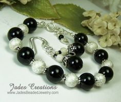 Black Onyx Gemstone Beaded Bracelet B616