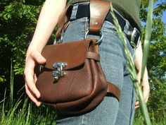 Leather Hip Satchel. loving these thigh bags.