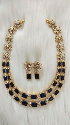 Pearl Necklace Designs, Gold Earrings Designs, Simple Necklace Designs, Antique Necklace, Gold Necklace, Gold Temple Jewellery, Silver Wedding Jewelry, Gold Jewelry Simple, Gold Bangles Design