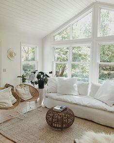Nice 48 Stunning White Living Room Ideas For Home. : Nice 48 Stunning White Living Room Ideas For Home. Home Living Room, Living Room Designs, Living Room Decor, Living Spaces, Ideas Hogar, Piece A Vivre, Home And Deco, Minimalist Living, My New Room