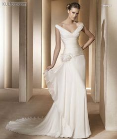 Templo - Pronovias (Costura 2011).  This is going to be my dress.