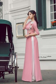 Heels Pink Dress Outfit New Ideas Long Dress Fashion, Indian Fashion Dresses, Indian Designer Outfits, Muslim Fashion, Bollywood Fashion, Designer Party Wear Dresses, Kurti Designs Party Wear, Pakistani Dresses Casual, Pakistani Dress Design