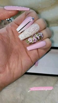 Bling Acrylic Nails, Best Acrylic Nails, Glitter Nail Art, Bling Nails, Glue On Nails, Swag Nails, Creative Nail Designs, Beautiful Nail Designs, Nail Art Designs