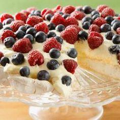 Schuimtaart met rode vruchten @ allrecipes.nl