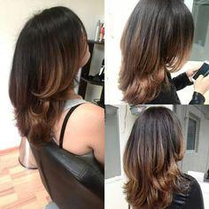 Layered Haircuts For Medium Hair, Medium Length Hair With Layers, Medium Hair Cuts, Medium Hair Styles, Curly Hair Styles, Layered Hairstyles, Haircut Medium, Prom Hairstyles, Hairstyle Ideas
