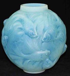 R. Lalique Vase Formose, circa 1924