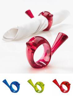 """Sorprende a los invitados de tus cenas con los elegantes servilleteros """"Napkin"""", disponibles en muchos colores. $3.500"""