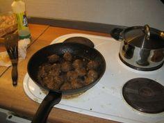 """Spanske"" kjøttboller i tomat- og paprikasaus Iron Pan, Griddle Pan, Tapas, Cooking, Food, Red Peppers, Kitchen, Grill Pan, Essen"