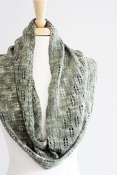 Ravelry: Sagebrush Infinity Scarf pattern by Rosemary (Romi) Hill
