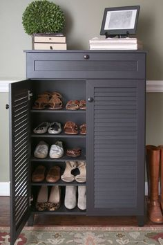 Ideas for shoe storage in entryway. There are so many ideas for shoe storage in entryway to consider by choosing the right one that create the perfect home interior design. Wood Shoe Storage, Entryway Shoe Storage, Diy Shoe Rack, Entryway Organization, Organized Entryway, Organization Ideas, Shoe Racks, Shoe Cabinet Entryway, Furniture Storage
