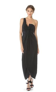 A glamorous black gown for any #wedding or #cocktail party