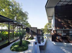 glass house mountain house by bark design in melany, australia