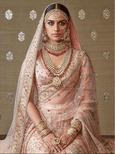 Sabyasachi Jewellery Blush pink Sabyasachi bridal lehenga with rani haar jewellery. Sabyasachi Lehenga Bridal, Indian Bridal Lehenga, Indian Bridal Outfits, Indian Bridal Fashion, Indian Bridal Wear, Indian Dresses, Anarkali, Bridal Dresses, Indian Bridal Jewelry