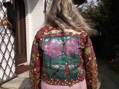 Hand painted jeans jacket.To wash by hand.Size:M.