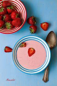 Mézesélet: Eperkrémleves (főzés nélküli) Strawberry Soup, Plastic Cutting Board, Tableware, Kitchen, Blog, Projects, Dinnerware, Cooking, Tablewares