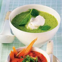 creamy spinach soup with coconut milk Creamy Spinach Soup, Get Healthy, Healthy Recipes, Best Asparagus Recipe, Coconut Milk Soup, Souped Up, Eating Well, Soups And Stews, Curry