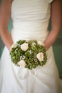 Green + cream wedding bouquet | Carriage House Wedding | Leah Valentine Photography