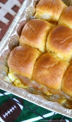 egg-ham-cheese-sliders Breakfast For A Crowd, Breakfast Dishes, Breakfast Tailgate Food, Breakfast Slider, Office Breakfast Ideas, Breakfast Casserole, Breakfast Ham, Breakfast Items, Breakfast Recipes