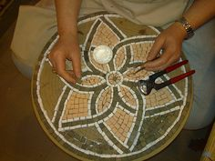 Flower Coffee Table WIP3 Tulay | My student's mosaic. Terrac… | Flickr