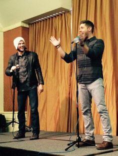 ♥◡♥ Jensen Ackles & Jared Padalecki being the CUTEST goofballs ^_^ at Houston Con 2015 #houscon #Supernatural #Jensen #Jared