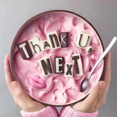 This Thank U Next Smoothie Bowl is iconic Awesome, great food Smoothie Bowl, Smoothie Recipes, Smoothies, Cute Food, Yummy Food, Kreative Desserts, Cute Baking, Tumblr Food, Food Goals