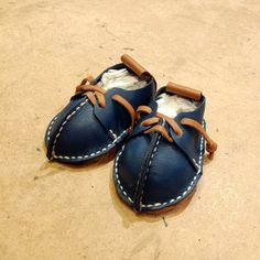 Aren't these amazing! Follow the link for more examples of this workshop. All different kind of work, bags, slippers, baby shoes...