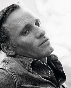 Viggo Mortensen por Marc Hom.