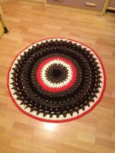 lovely people :) Hecho con amor y con nuestros materiales, por Carmy  #hechoamano #crochet #ganchillo #sacocharte #trapillo